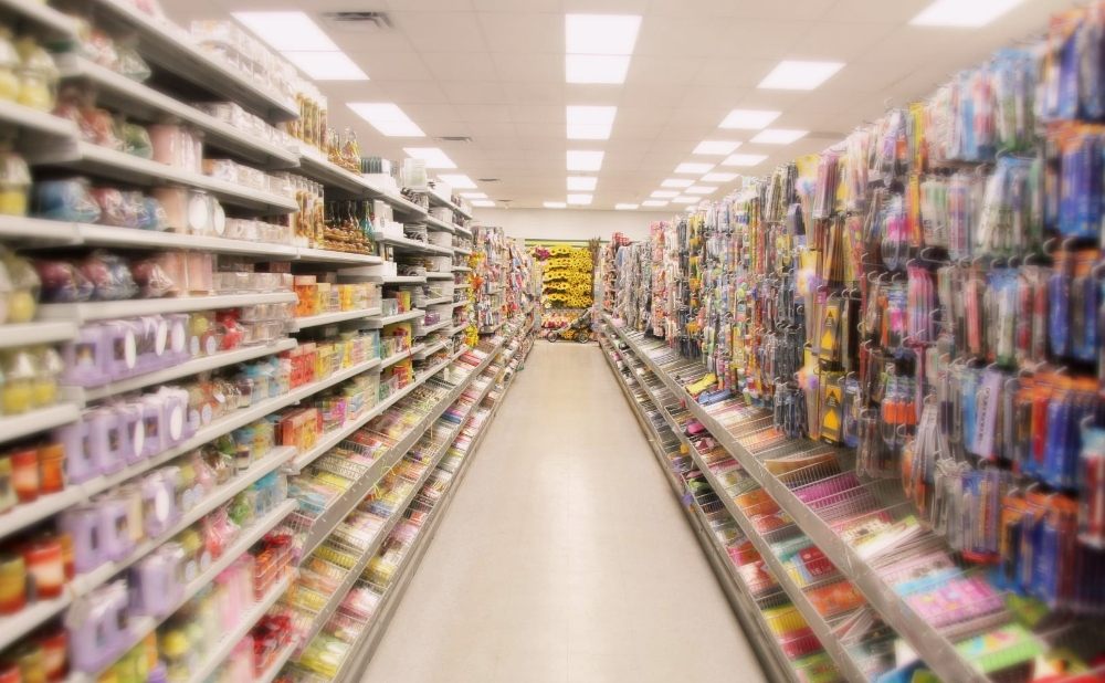 Top 5 Items to Buy in a Dollar Store (And Top 5 to Avoid!)